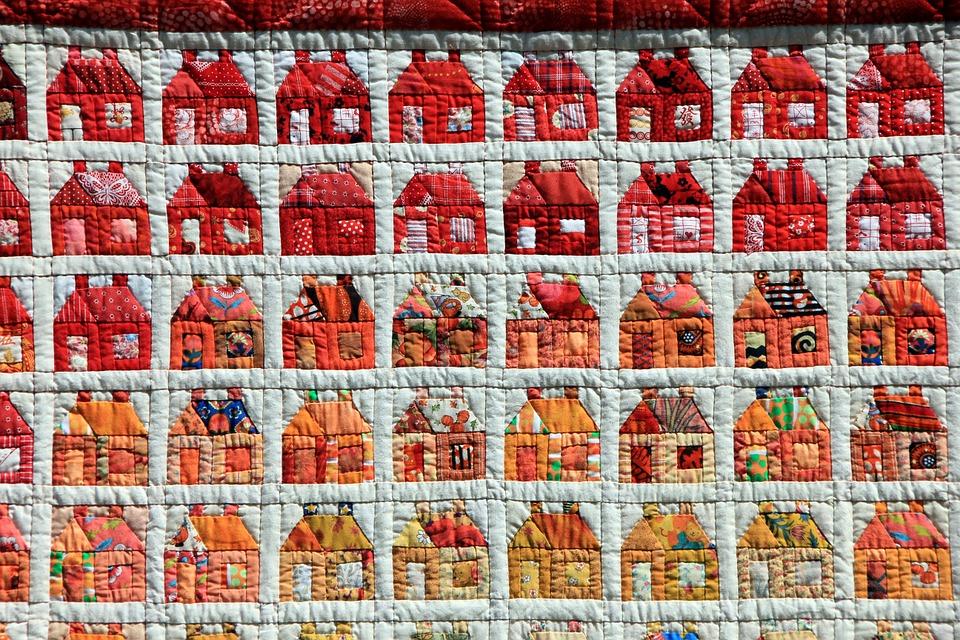 Pomocí patchworku se dá vytvořit opravdu jakýkoli motiv, je to vlastně takové malování látkou...